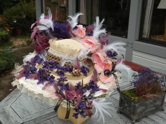 Capeline venise aux violettes 001